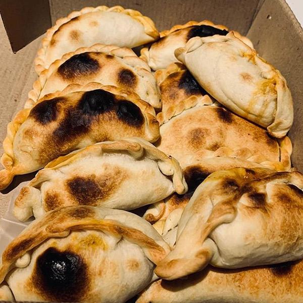 Empanadas Salteñas En Luján