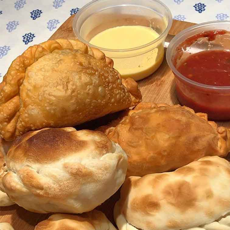 Empanadas-el-baion-salsas