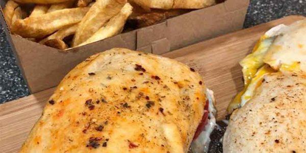 Sandwiches-lomo-ahumado-kuwait