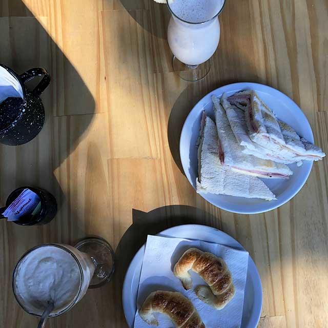 1516 También Nos Ofrece Un Lugar Para Desayunar En Luján